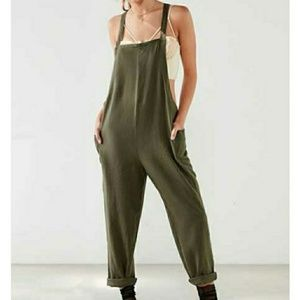 BDG | Shapeless Cropped Olive Jumpsuit
